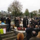 Sfinţirea monumentului funerar închinat lui Leonida Bodiu, Ioan Burdeţ şi Toader Dumitru, octombrie 2014