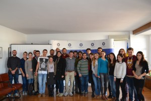 """Tineri în vizită la IICCMER, în cadrul proiectului """"Journalism Week in Southern and Eastern Europe"""", noiembrie 2014"""