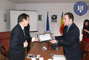 Ambasadorul Olandei, onorat de IICCMER, februarie 2013