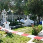 Aspecte din timpul acțiunii de deshumare a lui Mugur Călinescu